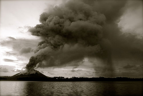 阿蘇山噴火→マグマ噴火確認!?富士山噴火の可能性日本列島の変化とは?