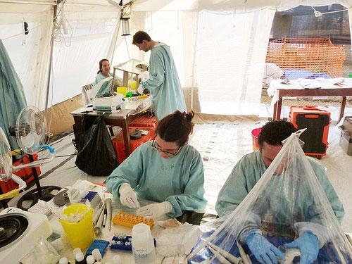 エボラ対策!日本人が個人で出来る事は何?マスクは特別な種類があった
